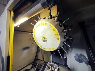 Milling machine Fanuc Robodrill α-T21iFL-6
