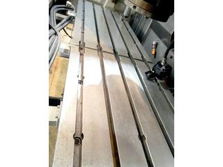 Milling machine Mazak VTC 200 C II-2