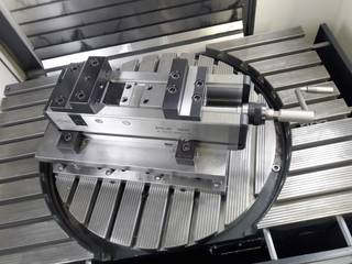 Milling machine DMG Mori DMU 60 monoblock-3