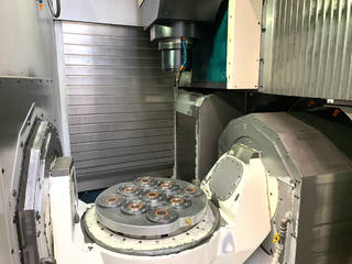 Milling machine Makino D500, Y.  2016-2