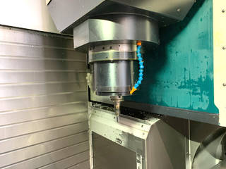 Milling machine Makino D500, Y.  2016-3