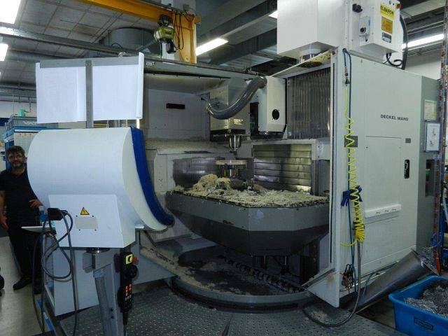 more images Milling machine DMG DMU 100 T, Y.  2000
