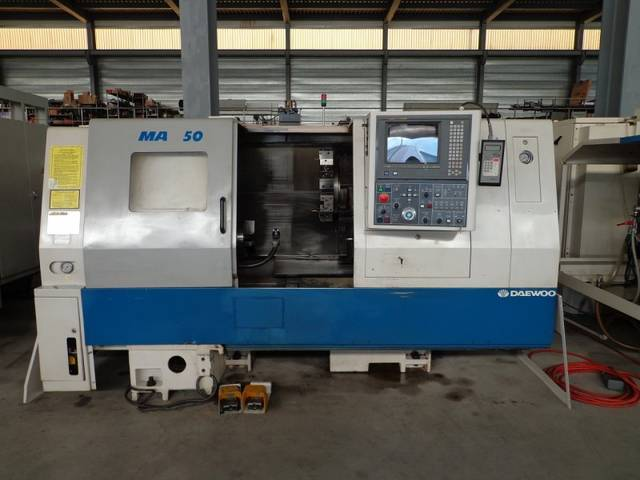 more images Lathe machine Doosan Daewoo Puma 250 B
