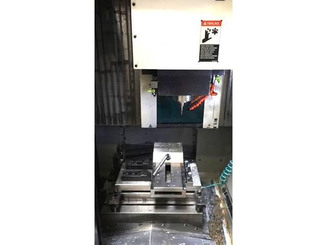 more images Milling machine Makino V 22, Y.  2005