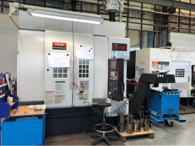 more images Milling machine Mazak Variaxis 630 5 X, Y.  2004