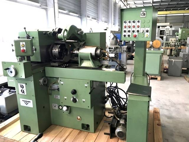 more images Grinding machine Voumard 3 A