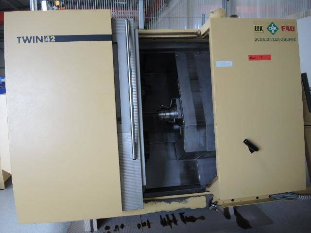more images Lathe machine DMG Gildemeister Twin 42 x 2 + Robot