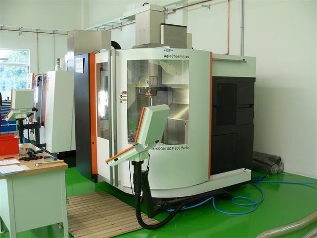 more images Milling machine Mikron UCP 600 Vario, Y.  2011